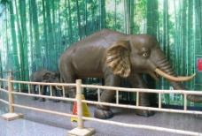 竹编大象图片