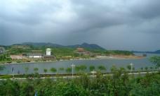 长春湖畔图片