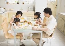 家庭餐桌0002