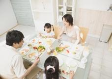 家庭餐桌0003