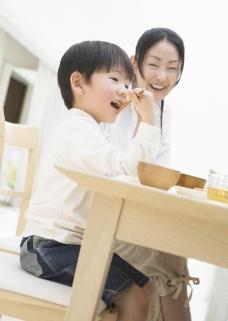 家庭餐桌0150